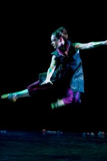Sarah Armida jump